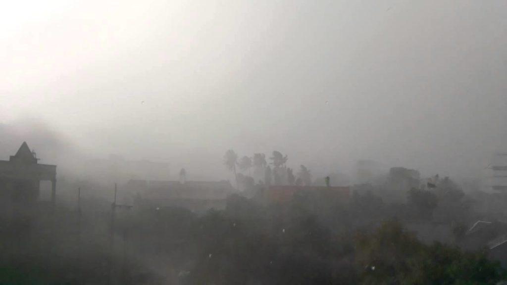 ประกาศเตือน40จังหวัด!!!! กรมอุตุฯแจ้งพรุ่งนี้เจอฝนหนักมากๆ ทั่วประเทศ
