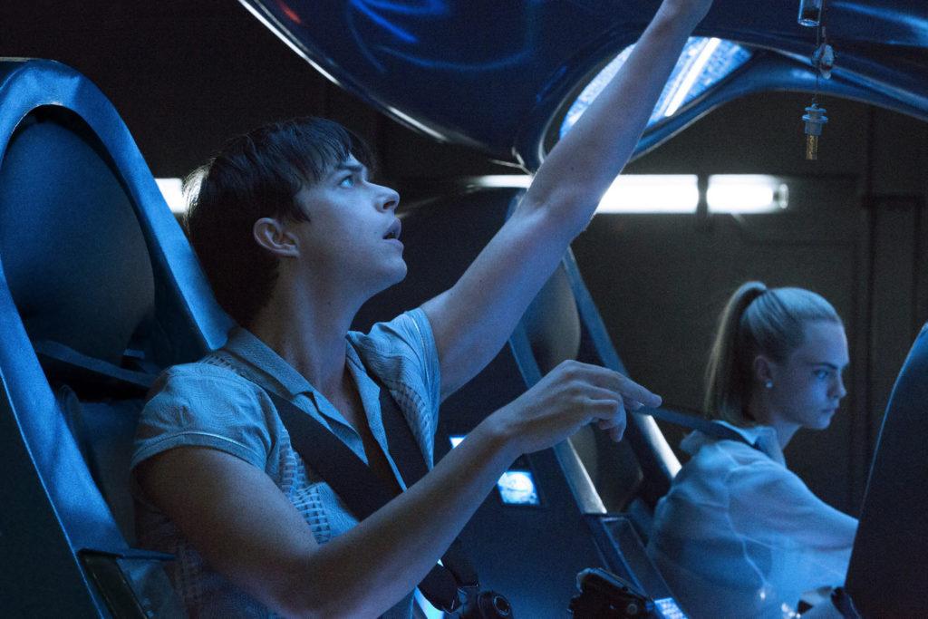 """""""เดน-คาร่า"""" แท็คทีม """"ริฮานน่า"""" พุ่งทะยานไปกับหนังไซไฟฟอร์มยักษ์ """"Valerian"""" ดูตัวอย่างใหม่ เริ่ดเวอร์!!"""