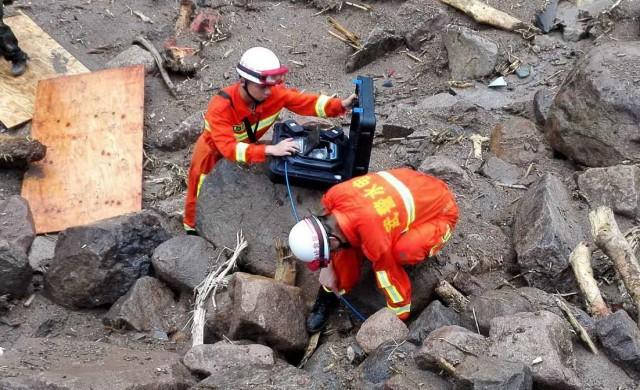 เร่งค้นหา!!! จีนค้นหาผู้สูญหาย เหตุดินถล่มในเสฉวน คาดถูกกลืนใต้ซากกว่า 140 คน