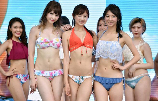 ตาลุกวาว!!! งานแดนซ์เปิดตัวบิกินีคอลเลกชั่นใหม่ที่ญี่ปุ่น ทำเอาหนุ่มๆตาค้างกันเลยทีเดียว (ชมคลิป)