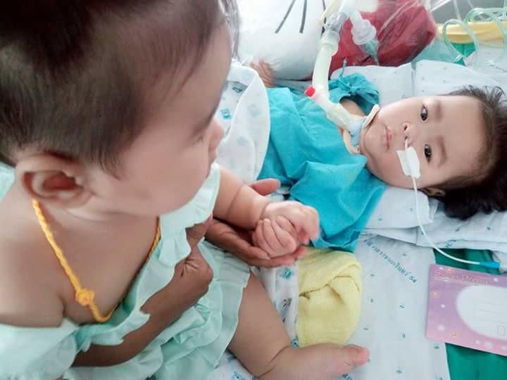 ช่วยกันแชร์! หนูน้อยวัย 7 เดือนป่วยเป็นโรคกล้ามเนื้ออ่อนแรง หวังคนมาช่วยต่อลมหายใจ(ชมคลิป)