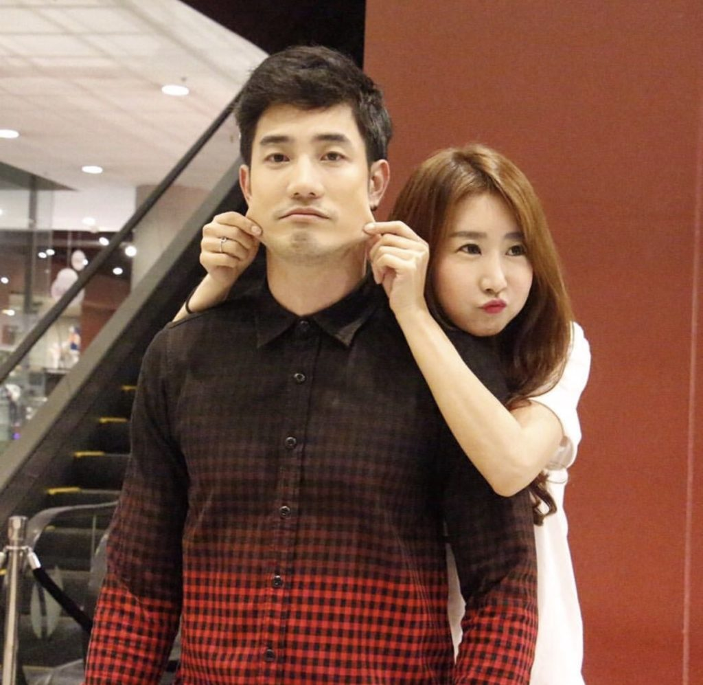 """ชมคลิป โชว์ร้อง-เต้น เพลงไทย ของ สาวเกาหลี แฟน """"อ้วน รังสิต"""" แซ่บมากกก"""