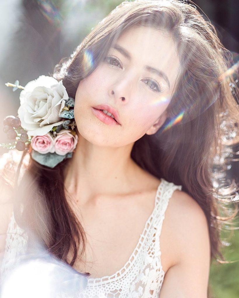 """(ส่องภาพ) """"ศรีริต้า"""" กับภาพเซตหวาน กลางหมู่ดอกไม้งาม ดั่งเจ้าหญิง"""