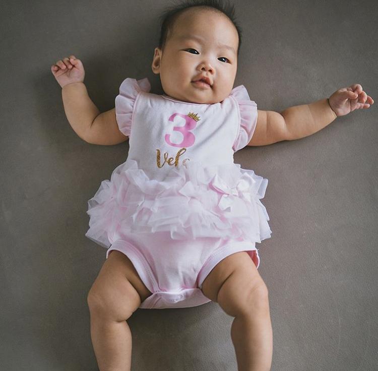 ส่องชัดๆ ลูกสาวโอม ค็อกเทล ยิ่งโตยิ่งหน้ารัก!