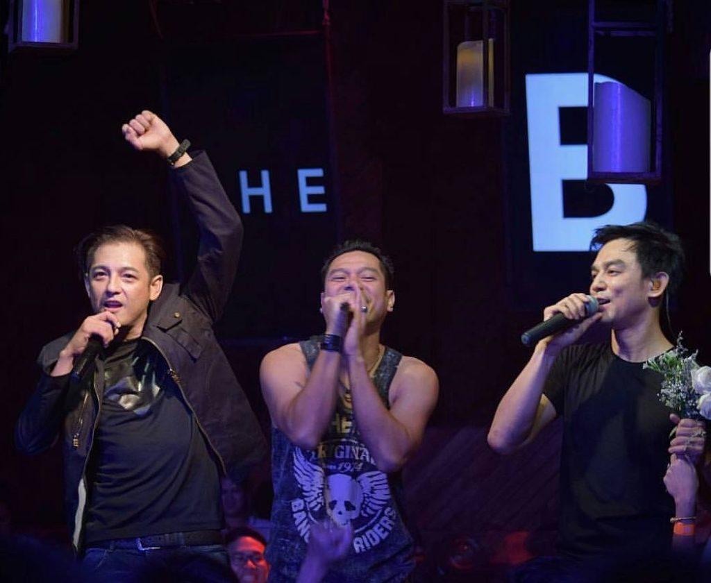 3 หนุ่มมารวมตัว เต๋า-มอส – หนุ่ม ในคอนเสิร์ตเอาใจวัยรุ่น 90′ ใครเกิดทันเพลงไหนบ้าง?(ชมคลิป)