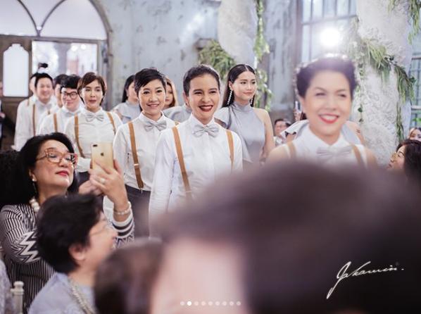 ภาพแห่งความสุข โอ๊ต-จีน่า กับพิธีโบสถ์ที่เต็มไปด้วยพยานรัก