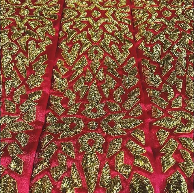 ชุดคลุมของ แหลม ศรีสะเกษ ที่ออกแบบโดย ASAVA