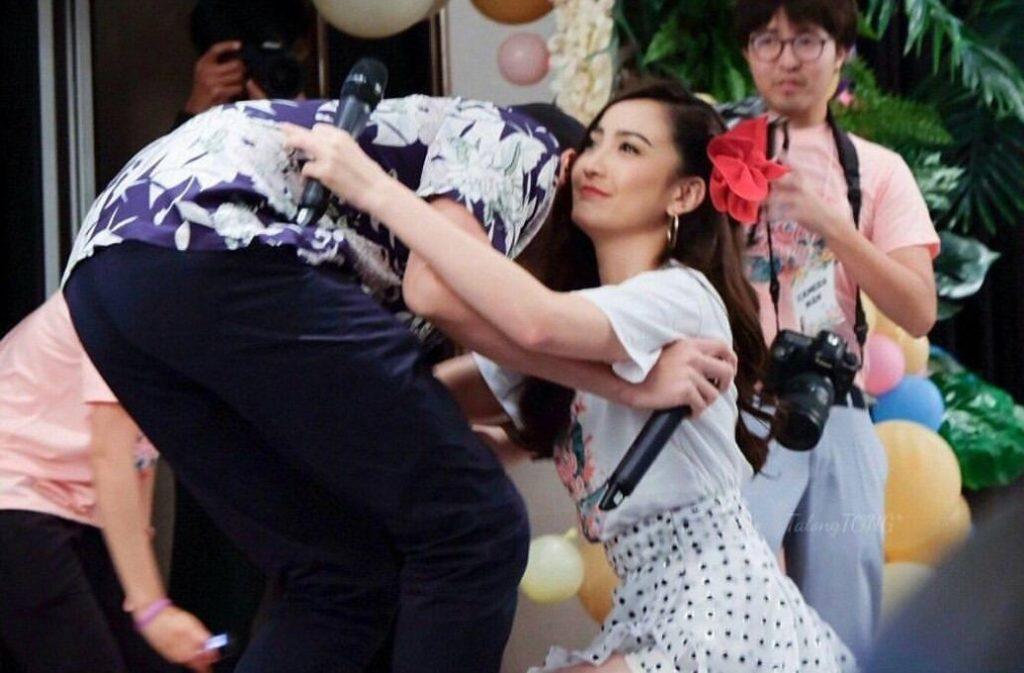 เปิดวินาที!  เจมส์ จิรายุ  โผล่เซอร์ไพรส์กลางงานมีตติ้งแฟนคลับ แต้ว ณฐพร #กรี๊ดหนักมาก(ชมคลิป)