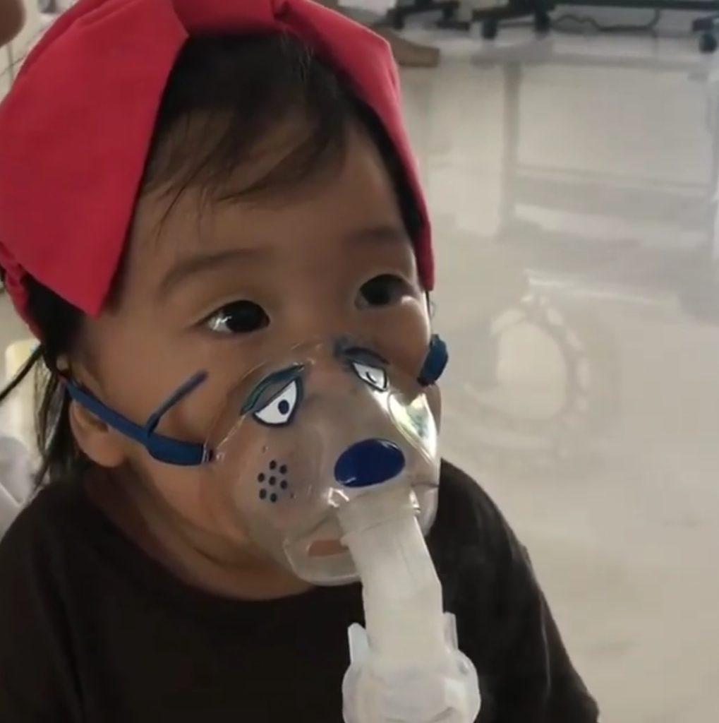 คุณแม่กุ๊บกิ๊บ  โพสต์IG Story!  น้องเป่าเปา  ป่วยจนต้องพ่นยา  แต่กลับไม่เหมือนเด็กป่วยซะงั้น (ชมคลิป)