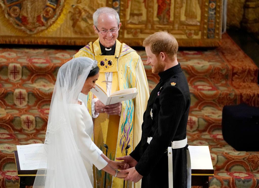 เผย !! ข้อห้ามของหญิงสาวสามัญชนที่ได้ก้าวเข้ามาเป็นส่วนหนึ่งของราชวงศ์อังกฤษ