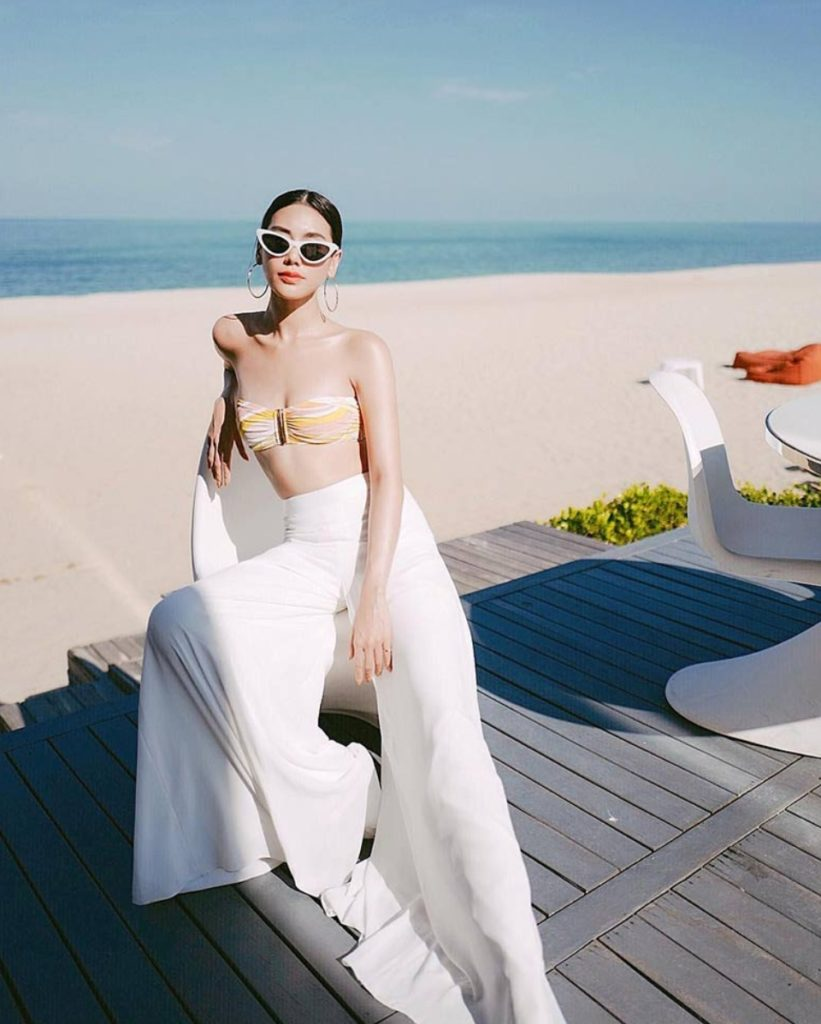 คอลเลคชั่นความแซ่บ!  ดาว พิมพ์ทอง  ในชุดว่ายน้ำสีสันสดใส จากทริปเที่ยวหัวหิน