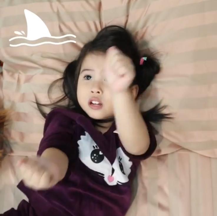 น้องมายู ด้นสดจัดเต็ม Baby Shark ชนิดที่หยุดฟังหนูไม่ได้เลยจริงๆ?(ชมคลิป)