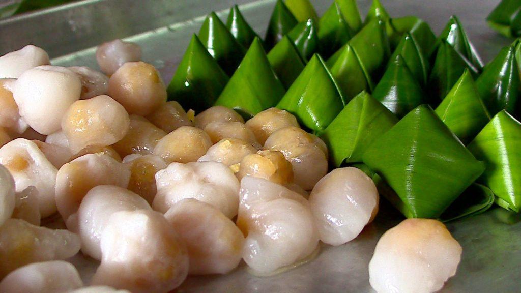 วืธีทำขนมเทียนแก้ว ขนมไทยรูปสามเหลี่ยมที่ใช้ไหว้เจ้าในช่วงตรุษจีน