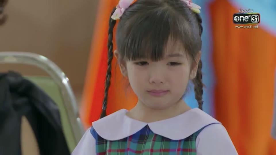 ดราม่าหนักมาก!  ชาวเน็ตโผล่คอมเม้นท์ฉาก  น้องนุดา  ร้องไห้เสียใจ ในงานวันพ่อ