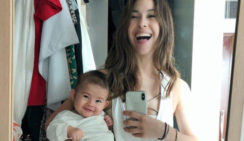 ยลโฉม! น้องเอลล่า ลูกสาวคนที่3 ของ  พอลล่า  ยิ้มสวยเหมือนแม่เป๊ะ!