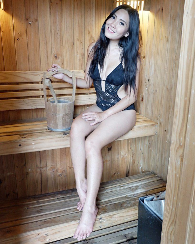 เซ็กซี่อีกแล้ว บอลลูน พินธุ์สุดา กับชุดซีทรูในห้องซาวน่า