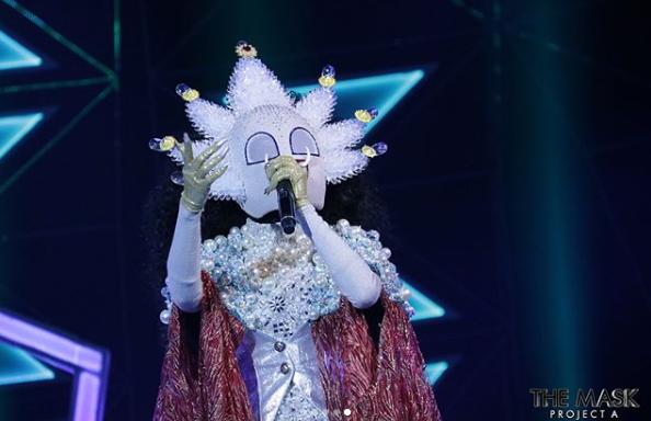 สุดประทับใจ!! ภายใต้หน้ากากผีเสื้อสมุทรทะเลอันดามัน ที่แท้คือสาวสวยคนนี้