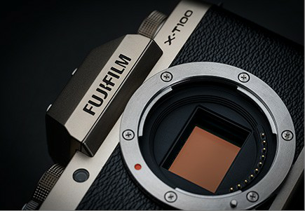 Fuji X-T100 กล้อง mirrorless ถ่ายรูปครบเครื่อง เป็นกล้องเซลฟี่ก็ไฉไล