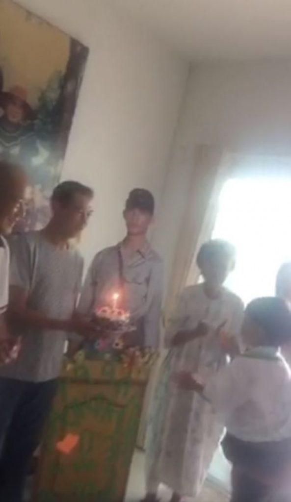 """ย้อนชมคลิปวันเกิด """"โอ วรุฒ"""" เมื่อปีที่แล้ว! เป่าเค้กครั้งสุดท้าย"""
