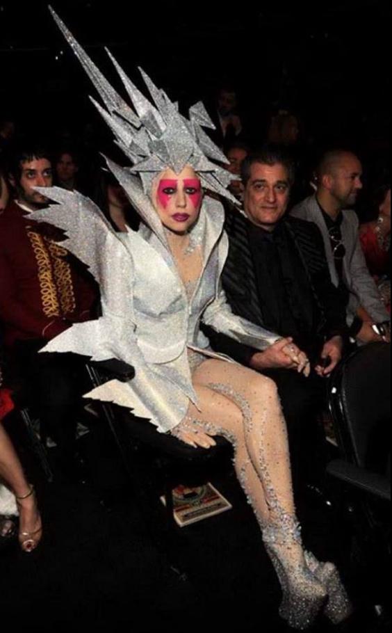 รวมชุดสุดแปลก!! ของ  เลดี้กาก้า  ที่คนธรรมดาไม่กล้าใส่ เจ๊ว่านางไม่ธรรมดา เห็นแล้วอยากไปอวกาศ