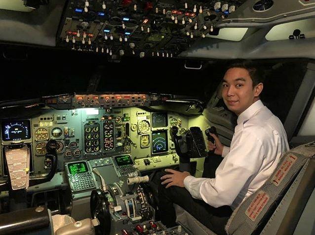 ยิ้มแก้มปริ  แอริน ยุกตะทัต  สุดภูมิใจน้องชายได้เป็นนักบิน