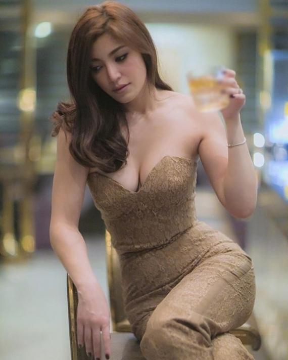 """เปิดวาร์ป 10 ดาราสาวไทย """"ไม่ได้ทำนม"""" แม่ให้มาแต่เกิด!!"""