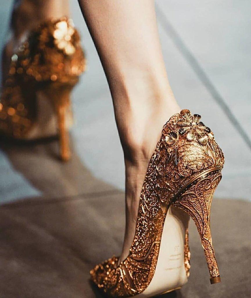 ความเป็นมาของรองเท้าส้นสูง ที่ผู้หญิงในยุคนี้ชอบใส่กัน