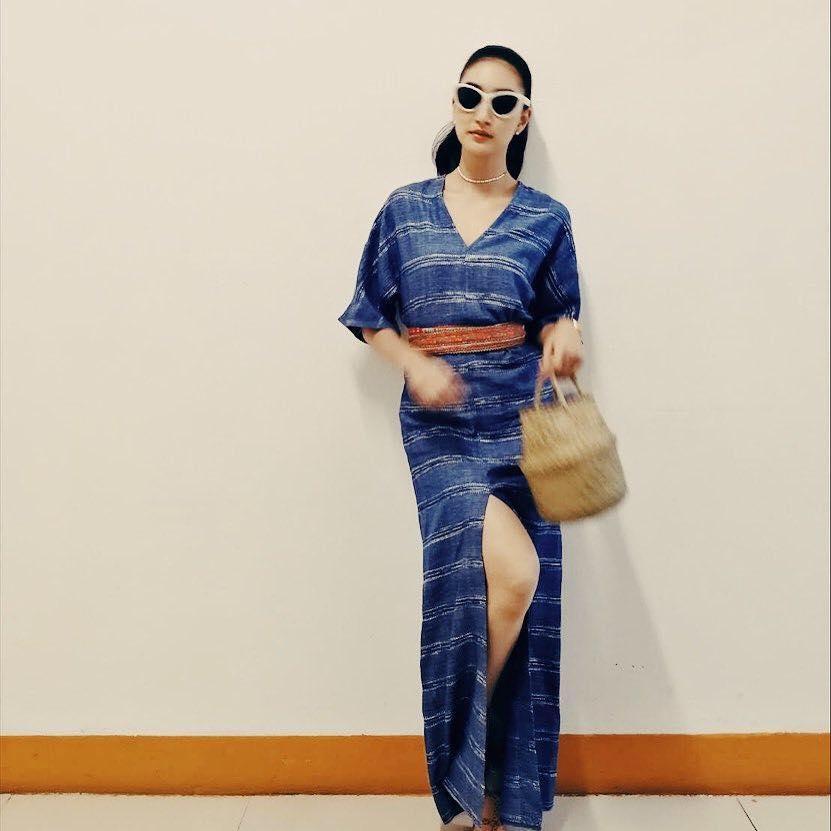 งามอย่างไทยดารานุ่งผ้าไทย สวยใส่จริงในชีวิตประจำวัน