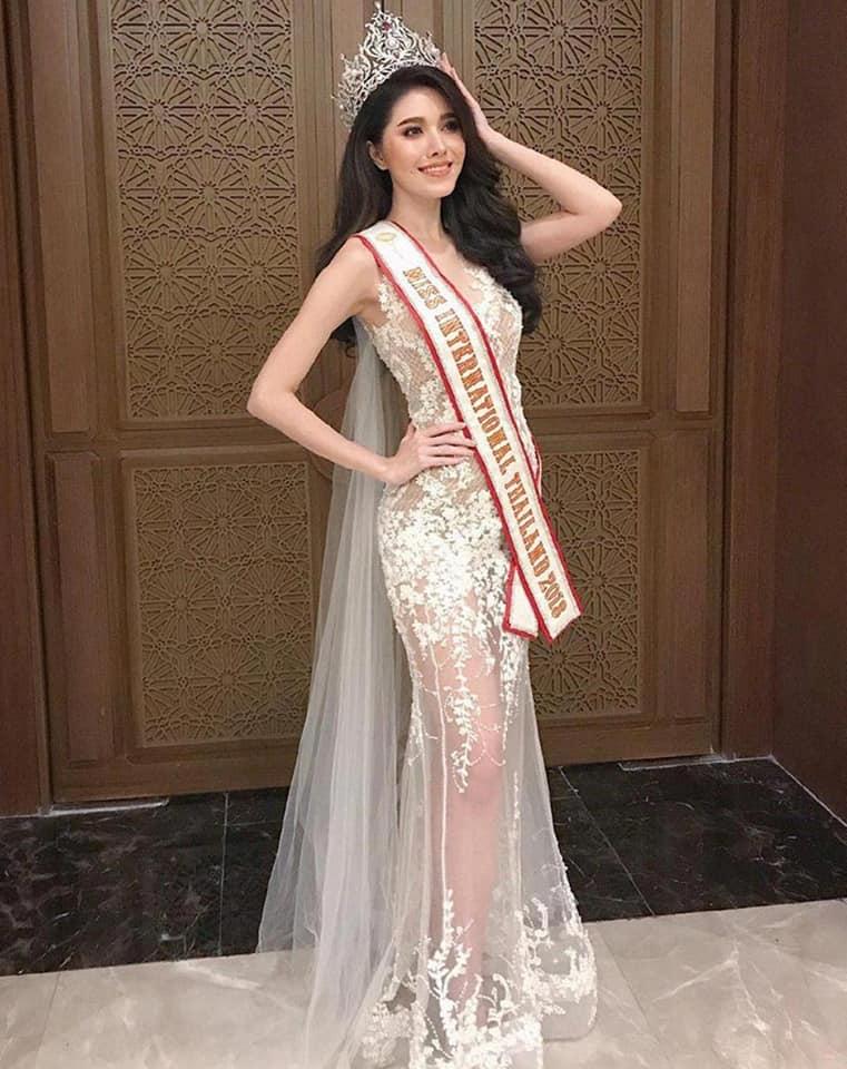 เปิดประวัติ สายเอี๊ยม กีรติกา นางงามหน้าหวานผู้คว้ามง Miss International Thailand 2018