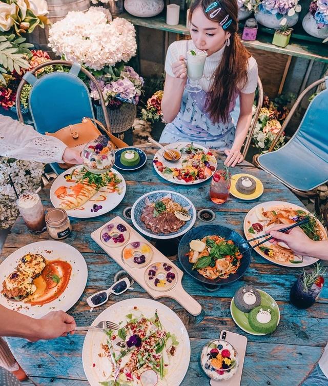 โฟร์ ศกลรัตน์ กับดงดอกไม้ที่ออสเตรเลีย