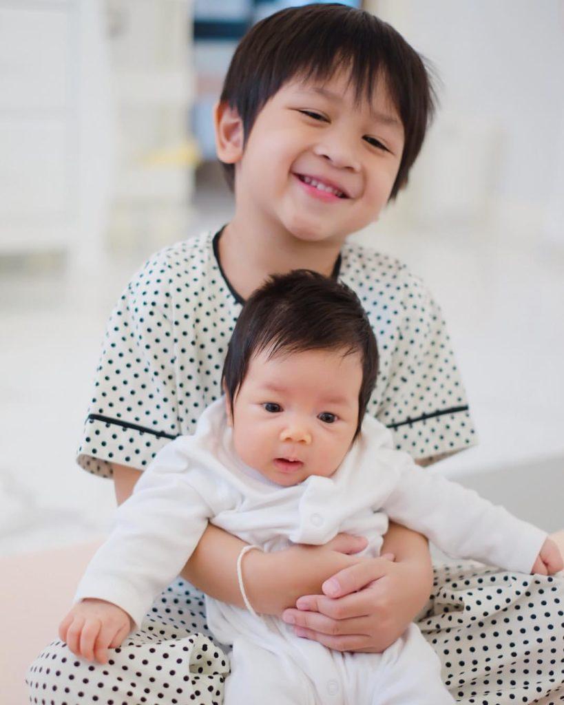 โมเม้นท์สุดน่ารัก! พี่ชายและน้องสาว น้องโปรด-น้องปาลิน สายใยแห่งรัก