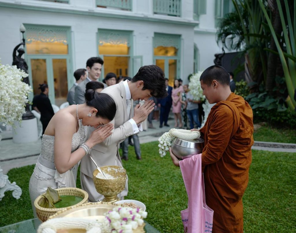งดงามในความเป็นไทย  เปิดดีเทลดอกไม้งานแต่ง พุฒ จุ๋ย