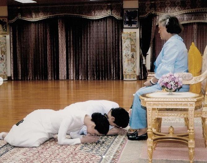 ซาร่า เล็กจ์ ซาบซึ้งในพระเมตตา ที่ได้ทรงประกอบพิธีสมรสพระราชทาน