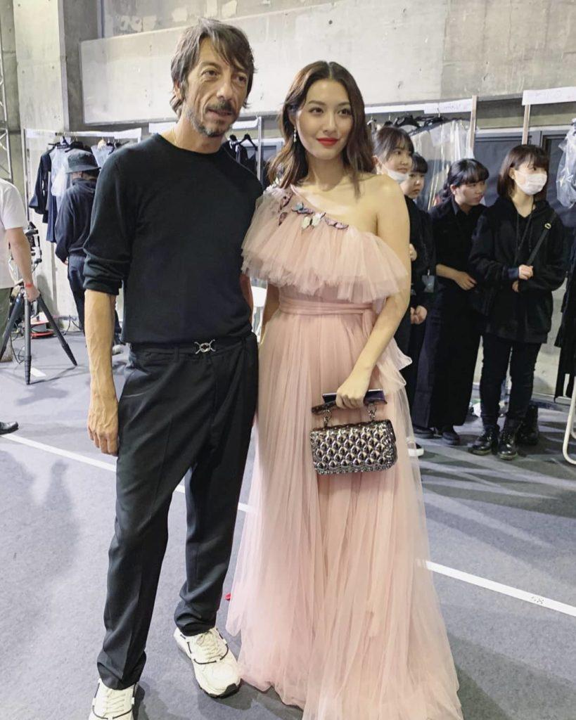รวมภาพ มิว นิษฐา กระทบไหล่เหล่าคนดัง Valentino สวยดูแพงเวอร์!!