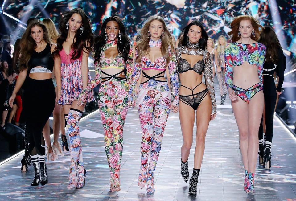 มาแล้ว! เหล่านางฟ้า จากแฟชั่นโชว์ Victoria's Secret ปี 2018 ล่าสุดที่จัดขึ้นสดๆ ร้อนๆ ในนิวยอร์ก