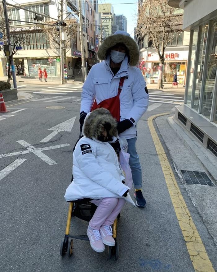 บอย ปกรณ์ ยกบ้านไปเที่ยวเกาหลี หนาวแบบติดลบ ห่อตัวอย่างแน่น