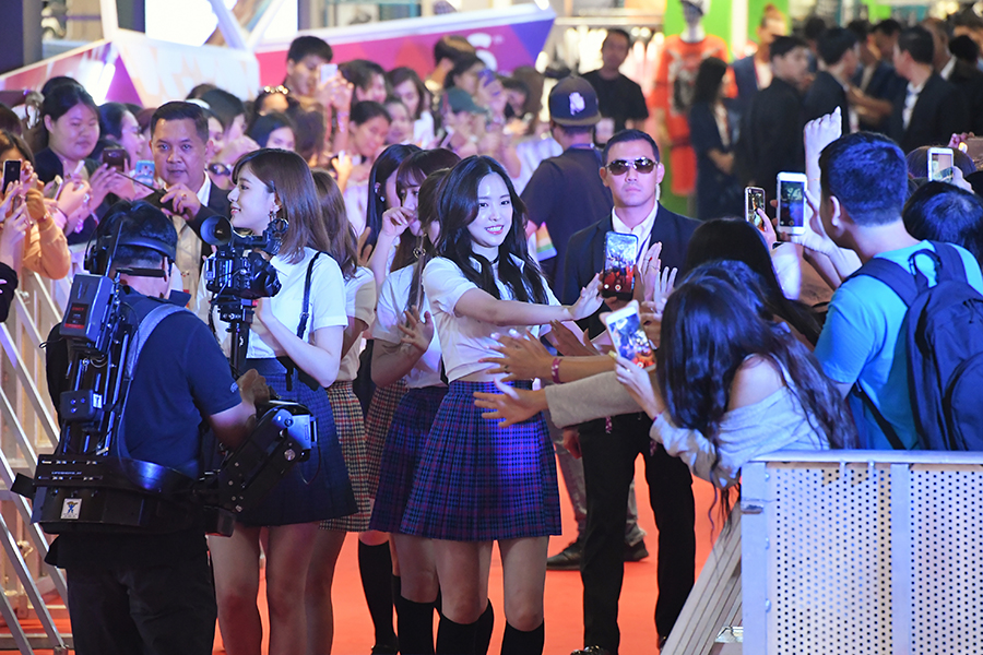 idol แดนกิมจิร่วมเดินพรมแดงในงาน SHOW DC SUMMER FEST STREET PARTY (76 รูป)
