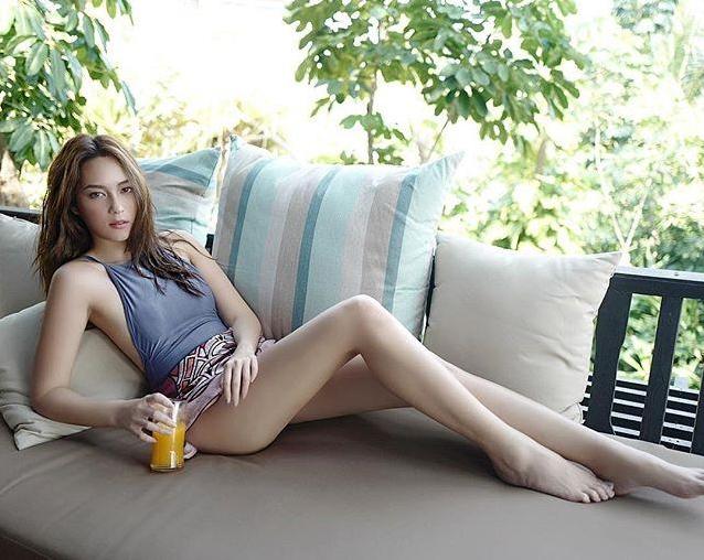 บี น้ำทิพย์ ลุคนี้น้อยแต่มาก ดูดีสวมชุดไทยจิตรลดาสง่างามมาก