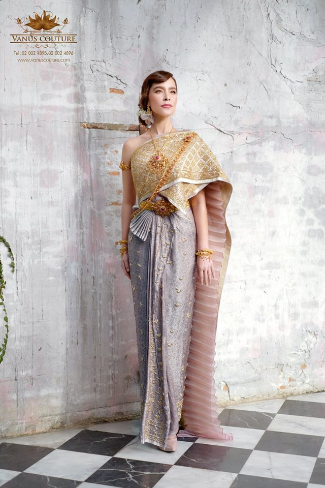 มาช่า สวมชุดไทย สวย เลอค่า ไม่แพ้ชาติใดในโลก