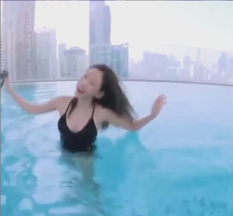 แทยอน แอบซ่อนรูป ใส่ชุดว่ายน้ำโชว์หุ่นขาวอึ๋ม สะกดทุกสายตา สระน้ำเมืองไทย!!(ชมคลิป)
