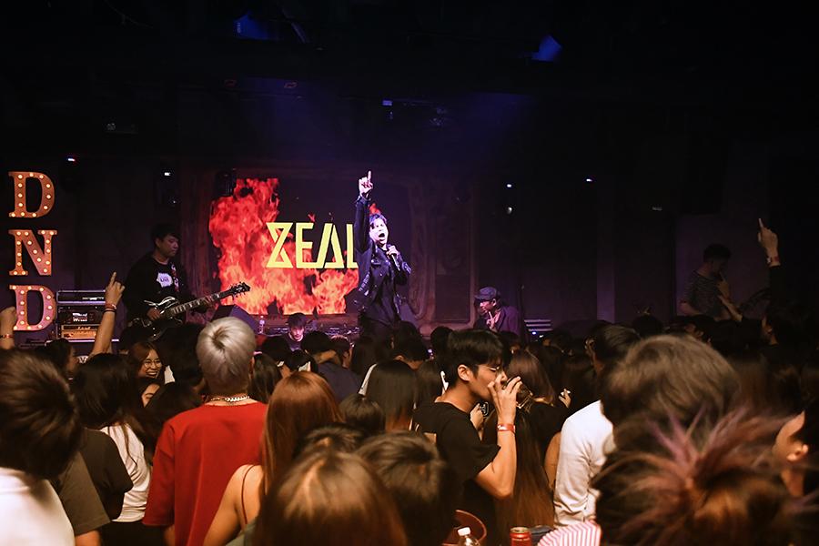 """ประมวลภาพคอนเสิร์ต Viral Project Present """"ZEAL"""" (65 รูป)"""
