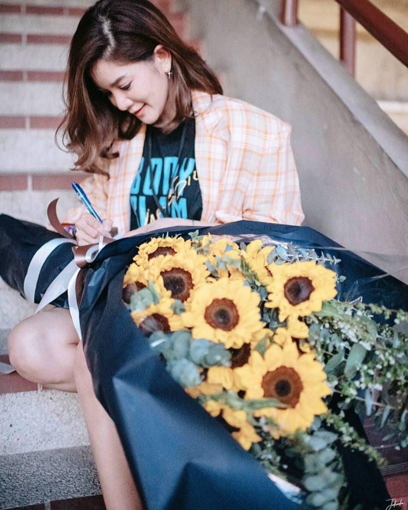 โครตซึ้ง!! ก้อย รัชวิน เซอร์ไพรส์ ตูน บอดี้สแลม ด้วยดอกทานตะวัน (ชมคลิป)