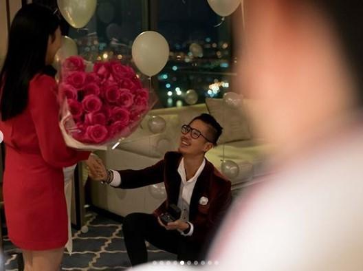 นิ้ง โศภิดา ซึ้งน้ำตาไหล! ถูกแฟนหนุ่มนักธุรกิจร้อยล้าน ขอแต่งงาน!!