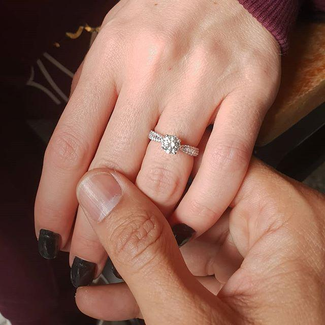 """เปิดตัวความรักครั้งนี้!""""บอย พิษณุ"""" โชว์แหวนเพชรเม็ดงาม ใกล้วันแต่งงาน ยิ่งตื่นเต้น"""