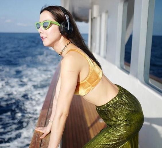 ไอซ์ อภิษฎา อวดความสวยเซ็กซี่สุดๆ ในทริปเที่ยวทะเลมัลดีฟส์