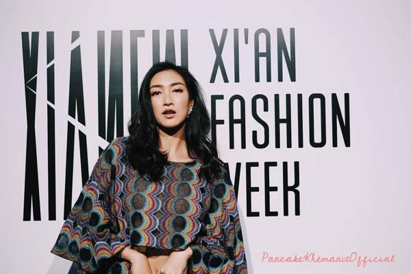 """ส่องแฟชั่น """"แพนเค้ก"""" ในงาน Xi'an Fashion Week สวยสะกดตาสุดๆ"""