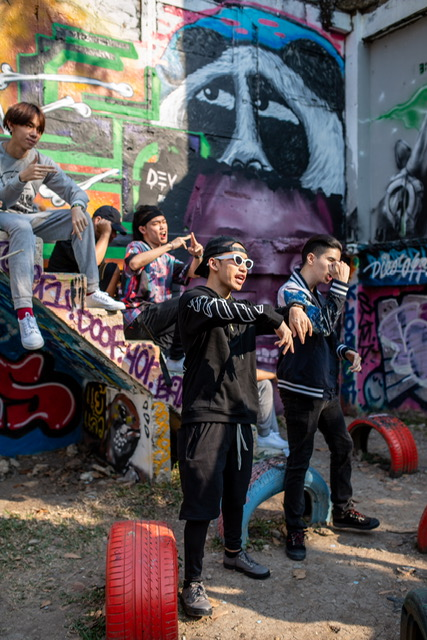 """""""เบรกเกอร์"""" ทุ่ม 30 ล้าน โหมตลาดรองเท้าผ้าใบ ดึง The Rapper Thailand  พรีเซ็นเตอร์คนล่าสุด จัดโปรสุดจี๊ด แจกใจๆ 3 ต่อ เพราะชีวิต """"สั่งได้ดั่งใจ"""" หวังดันยอดโต 10%"""