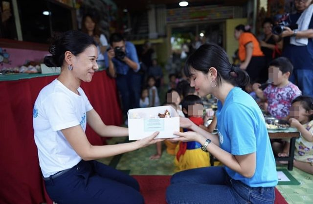 คนสวยใจบุญ ใหม่-ดาวิกา ชวนทำดีวันเกิด แบ่งปัน อาหาร-ของเล่น ที่ศูนย์พัฒนาเด็กเล็ก