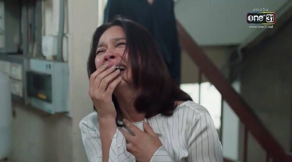 """แฟน ๆวิจราร์ยับ หลัง """"เบลล่า"""" คว้ารางวัลนำหญิงยอดเยี่ยม"""