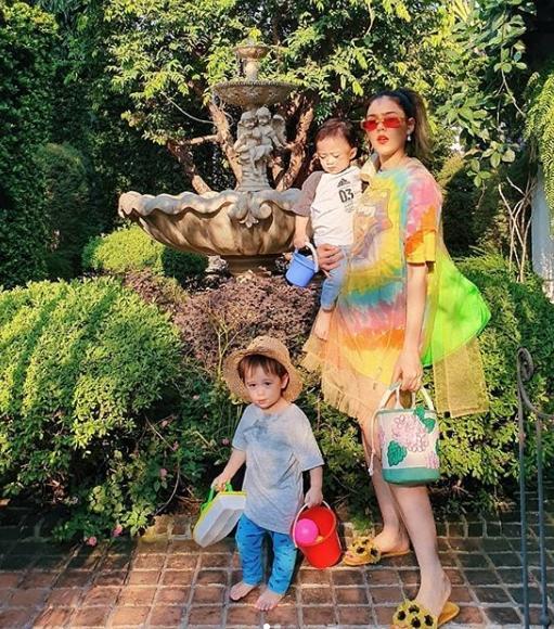 ชมพู่ อารยา ใช้วันหยุดอย่างเป็นประโยชน์ พาลูกๆเรียนรู้ ผลไม้ในบ้านยาย!!